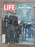 60s Vintage LIFE Magazine / Feb 10,1967 (NK-456)