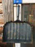 画像1: Vintage Metal Dust Pan #B (NK749) (1)
