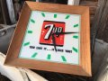 Vintage 7UP Lighted Sign Wall Clock (DJ811)