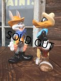 Vintage Looney Tunes Daffy & B.Bunny Ceramic S&P (MA738)