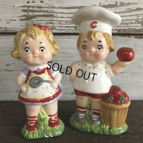 画像1: Vintage Campbell Soup Kids Salt & Pepper Statue (J369)