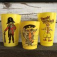 画像1: 70s Vintage McDonalds Captain Crook Plastic Cup (J960)  (1)
