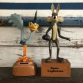 Vintage Dakin Road Runnner & Wile E. Coyote Bank Set (S292)