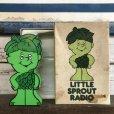 画像1: 80s Vintage Little Green Sprout RADIO (S681) (1)