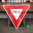 画像1: Vintage Road Sign YIELD (T223) (1)