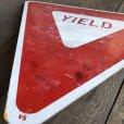 画像5: Vintage Road Sign YIELD (T223)
