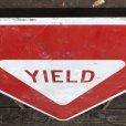 画像2: Vintage Road Sign YIELD (T223) (2)