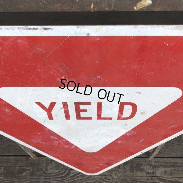 画像2: Vintage Road Sign YIELD (T223)