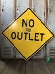 画像1: Vintage Road Sign NO OUTLET (T621) (1)