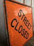 画像5: Vintage Road Sign STREET CLOSED (T618) (5)