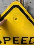 画像2: Vintage Road Sign SPEED HUMP (T649) (2)