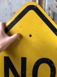 画像2: Vintage Road Sign NO OUTLET (T621) (2)