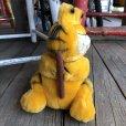 画像2: Vintage Dakin Garfield Plush Doll (T890) (2)