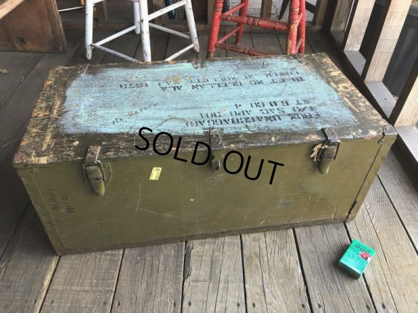 画像1: Vintage US Military Wooden Box Trunk (T946)