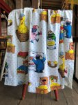 画像1: Vintage Sesame Street Fabric 100x76cm (B398) (1)