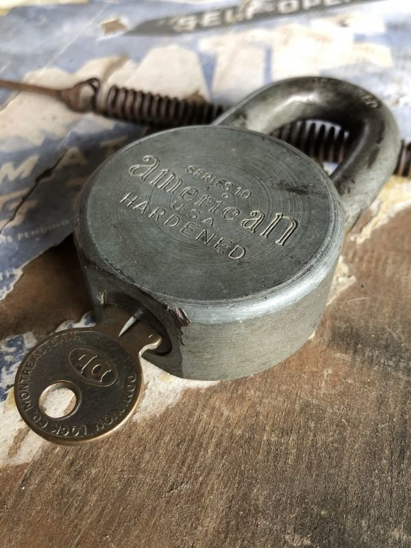 画像2: Vintage American Lock Co Series 10 Hardened Padlock (B402)