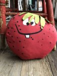 画像2: Vintage Funny Face Cloth Doll Freckle Face Strawberry (B574) (2)