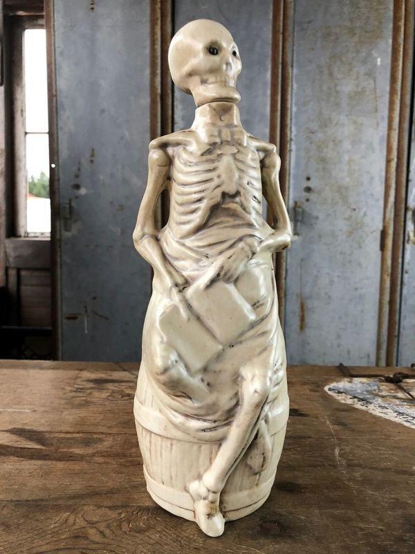 画像1: Vintage Skull Porcelain Decanter Bottle (B760)