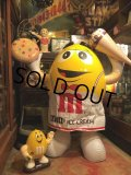 Vintage M&Ms Yellow Huge INFLATABLE (B822)