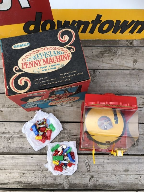 画像2: 50s Vintage Remco Coney Island Penny Machine w/Box (B217)