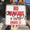 70s Vintage Cardboard Sign NO PARKING (B299)